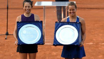 La premiazione della finale di doppio (foto Adelchi Fioriti)